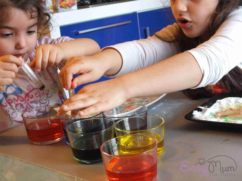 esperimento per bambini con aceto e bicarbonato